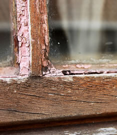 Repairs to wooden windows that are no longer waterproof