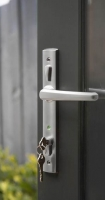 Bi-fold door locking latch and handle